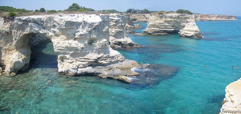 800px-Torre_Sant'Andrea_(Lecce)